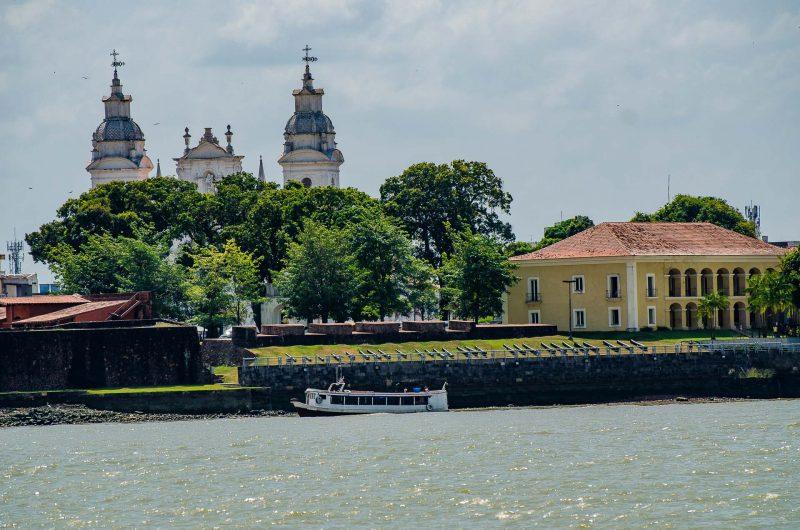 Forte do Castelo e Casa das 11 janelas em Belém