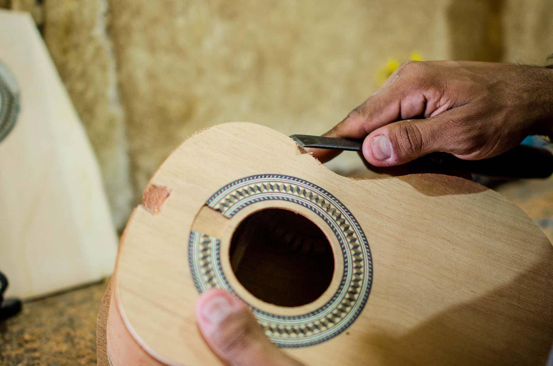 Artesão Márcio Luthier