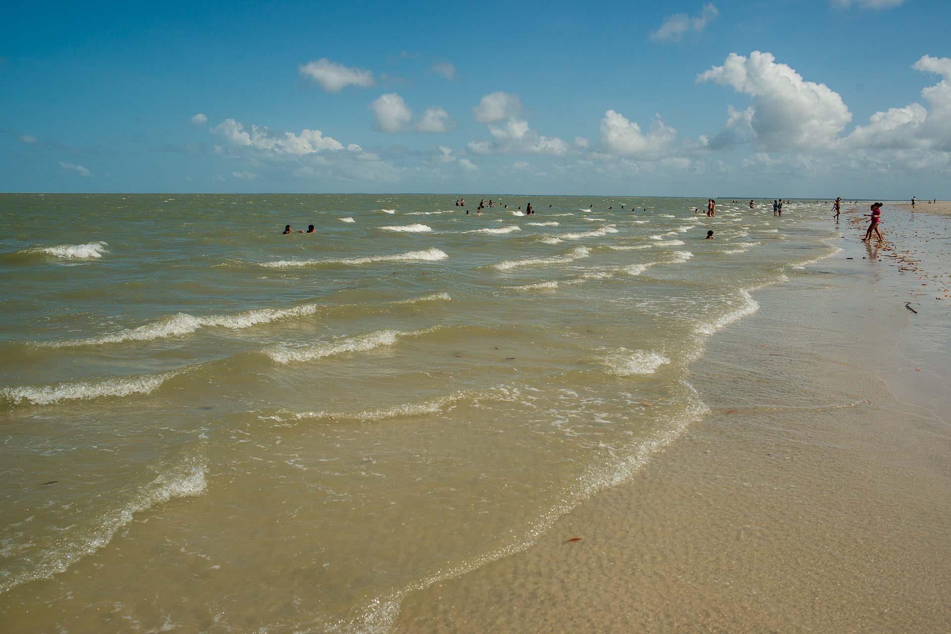 Praia de Ajuruteua - Bragança