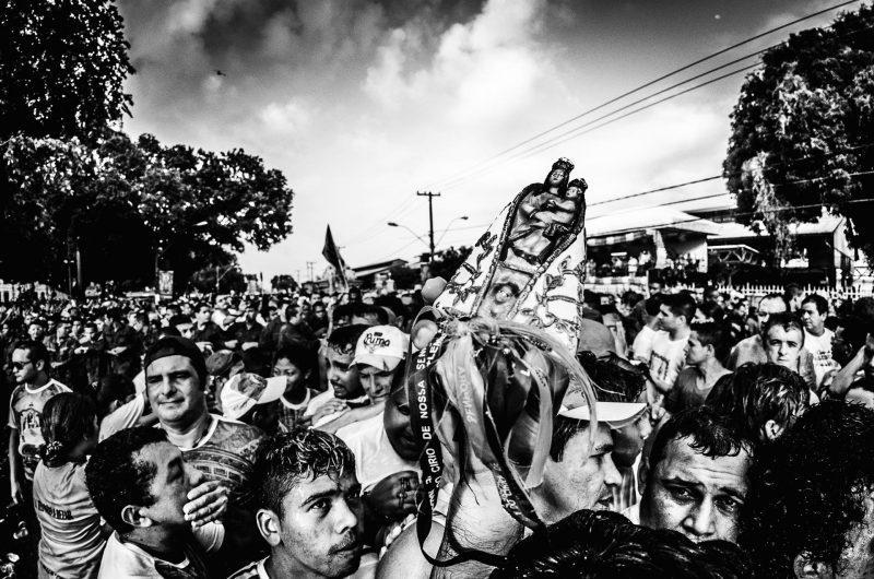 9 - Unir-se a uma multidão pela fé