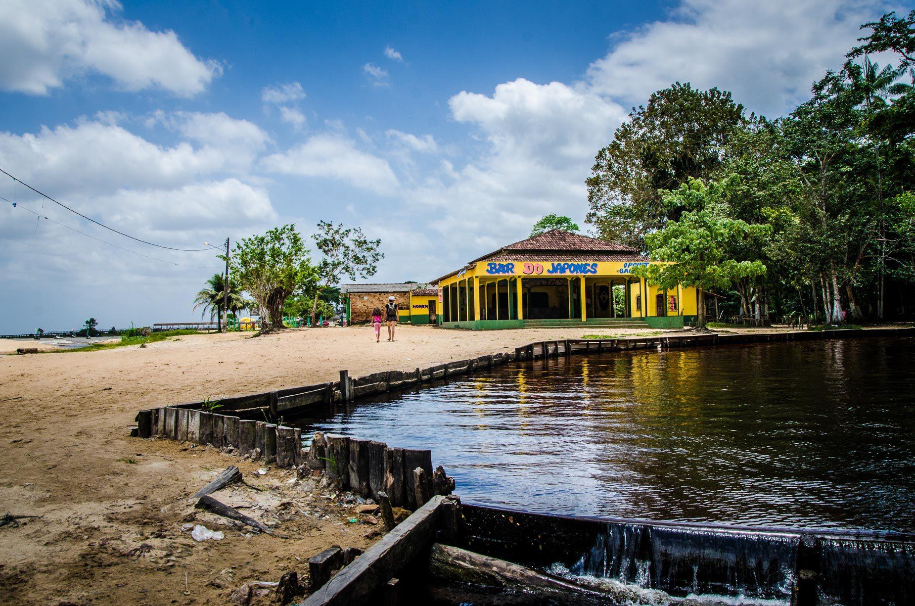 Igarapé em Colares - Pará - Brasil