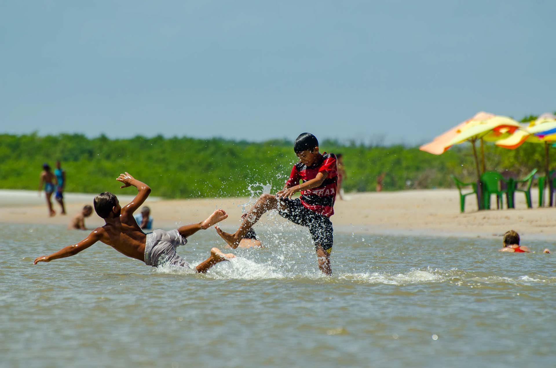 Praia do Crispim - Pará - Brasil