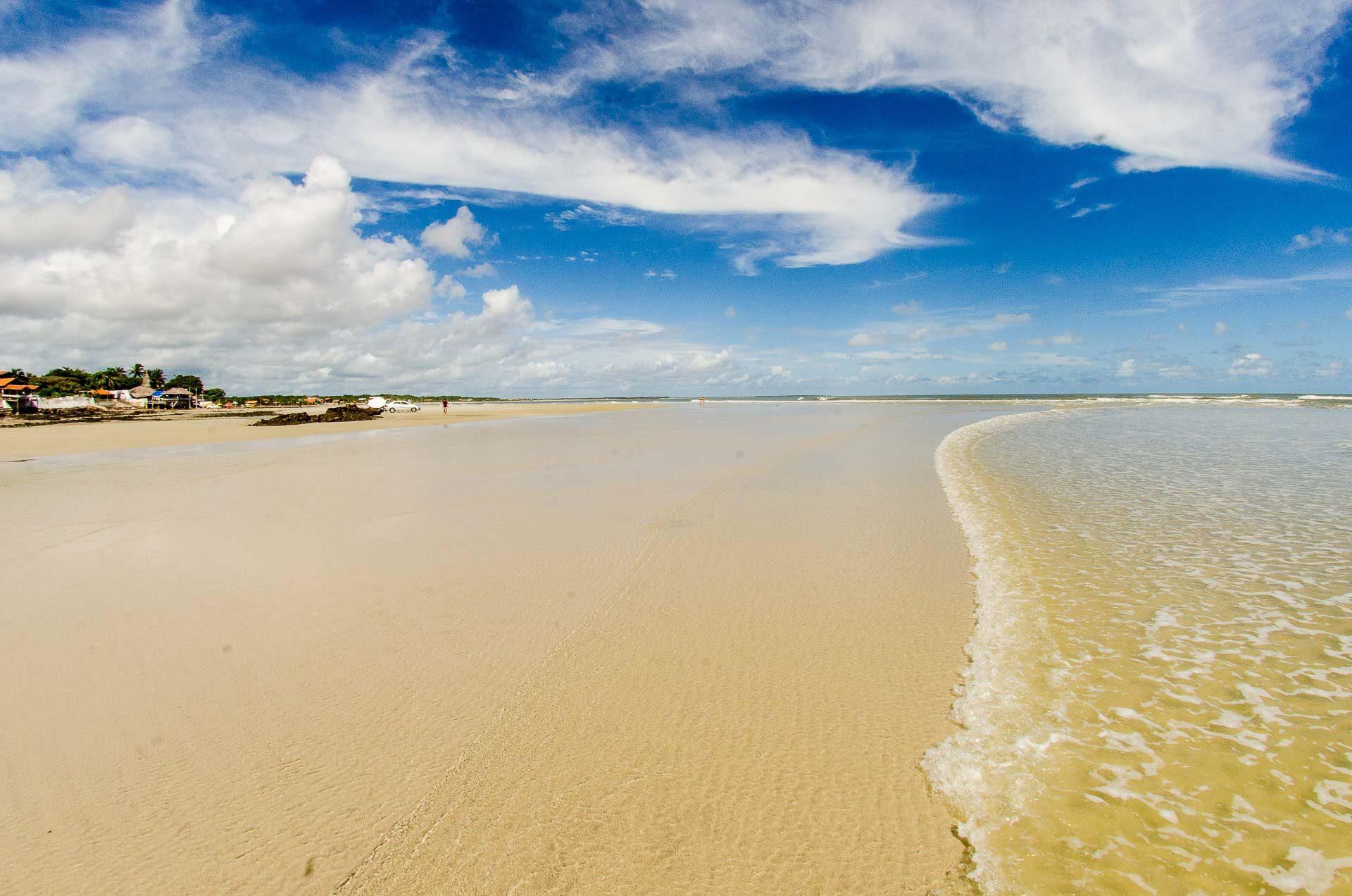 Praia do Farol Velho - Salinas