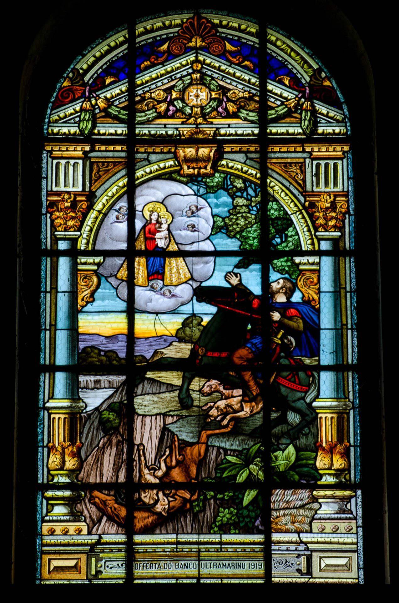Aparição da Virgem a D. Fuas Roupinho - Vitrais da Basílica d