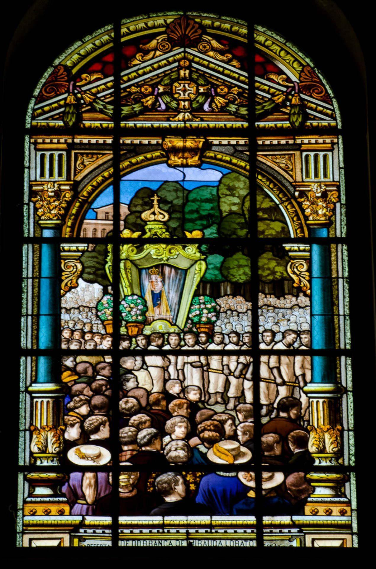 O Círio dos nossos tempos - Vitrais da Basílica de Nazaré - B